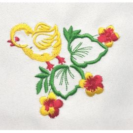 Serweta haftowana - Kurczaczek z kwiatkami 37x37 cm