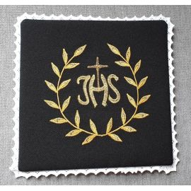 Palka haftowana czarna IHS + ornament