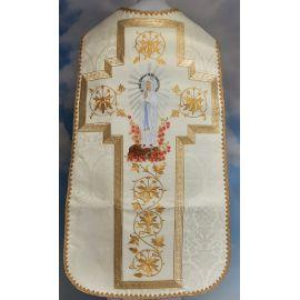 Ornat rzymski haftowany z wizerunkiem MB z Lourdes