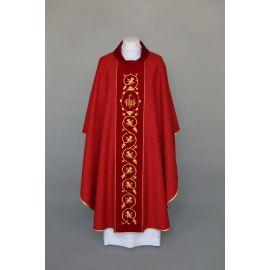 Ornat czerwony haftowany, tkanina adamaszek - IHS (21)