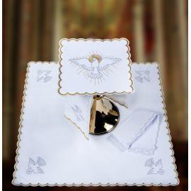 Bielizna kielichowa haftowana duch św