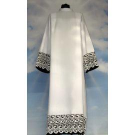 Alba kapłańska z elegancką gipiurą