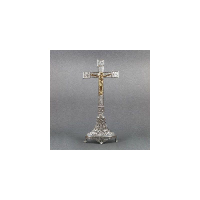Krzyż ołtarzowy, mosiężny - srebrzony, stojący wys. 53 cm