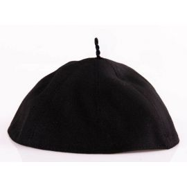 Piuska kapłańska - czarna