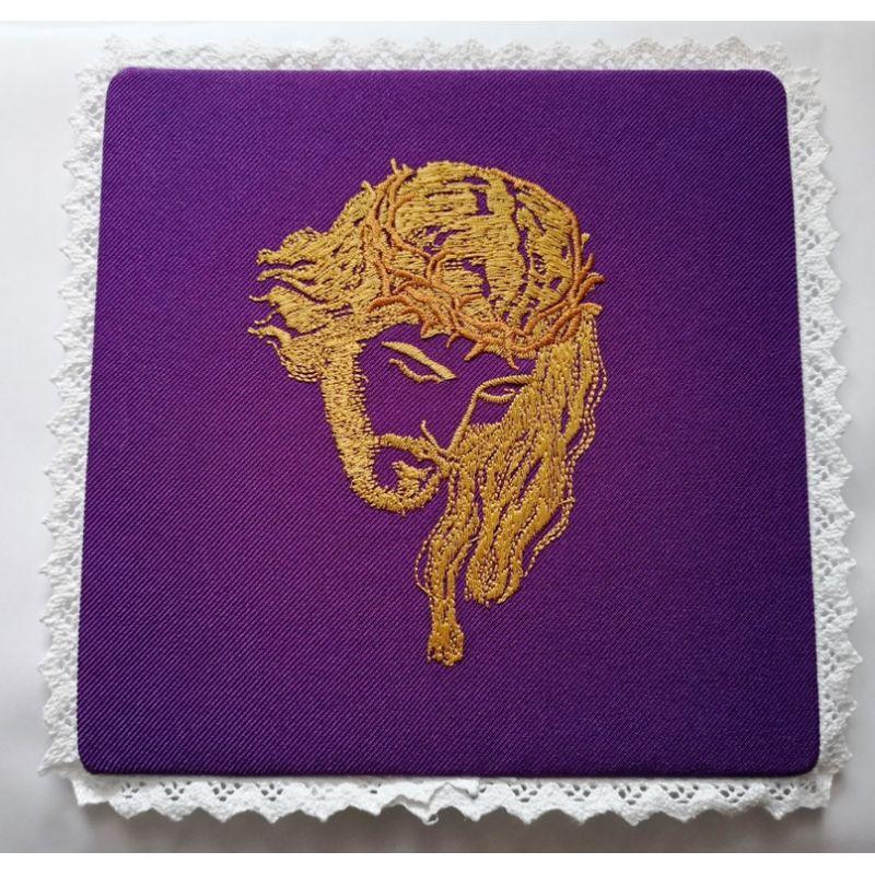 Palka haftowana Jezus w koronie - fiolet
